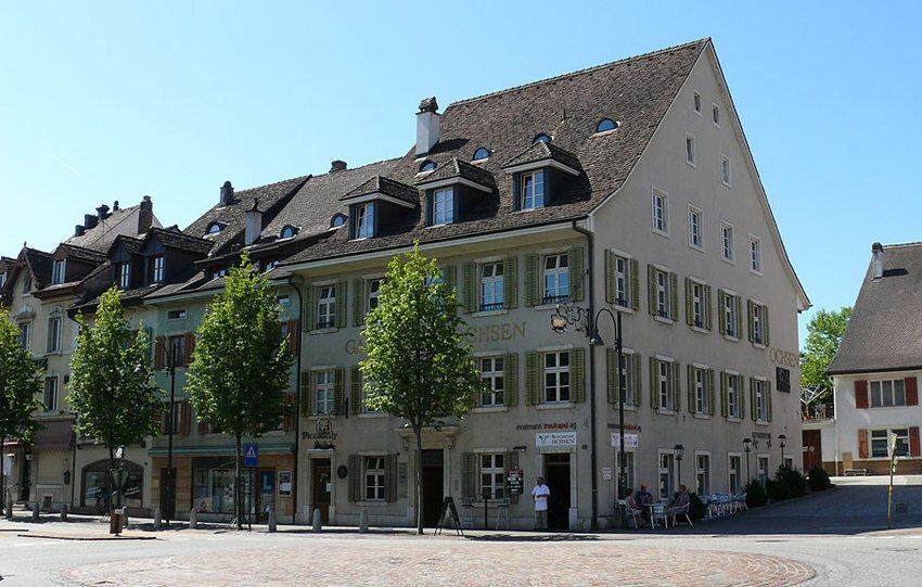 Gasthaus Ochsen in Laufen (Bild: Walter Pöder, Wikimedia, CC)