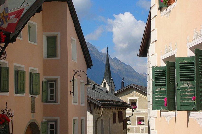 Dorf Guarda steht unter nationalem Schutz. (Bild: Gregory Zeier, WIkimedia, GNU)