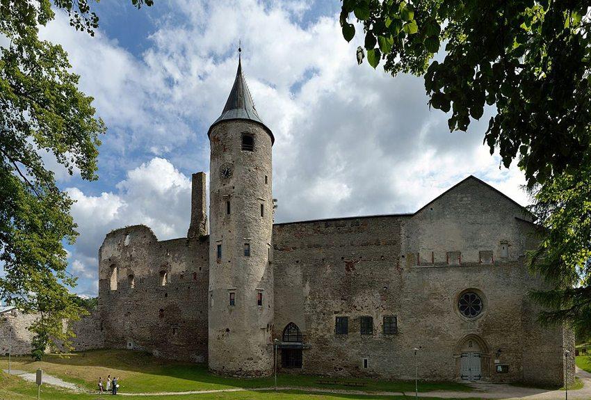 Burgruine von Haapsalu (Bild: Ivar Leidus, Wikimedia, CC)