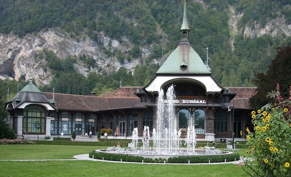 Kursaal in Interlaken (Bild: Paebi, Wikimedia, GNU)