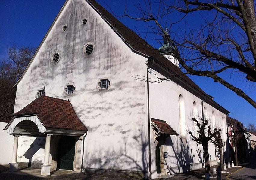 Die Kirche St. Katharina in Laufen, Baselland (Bild: Wm1bl, Wikimedia, CC)