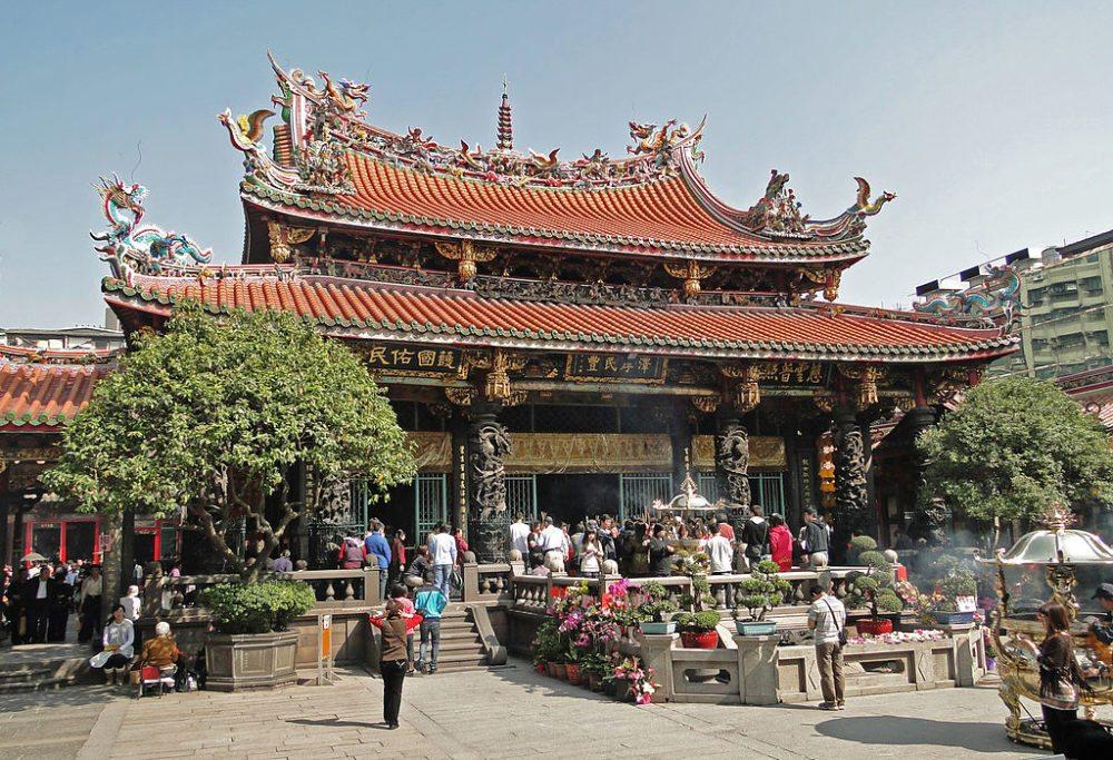 Mengjia-Longshan-Tempel in Taipeh (Bild: Bernard Gagnon, Wikimedia, GNU)