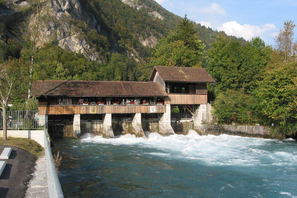 Wasserwehr in Interlaken (Bild: Siegfried Wiehgärtner, Wikimedia, GNU)