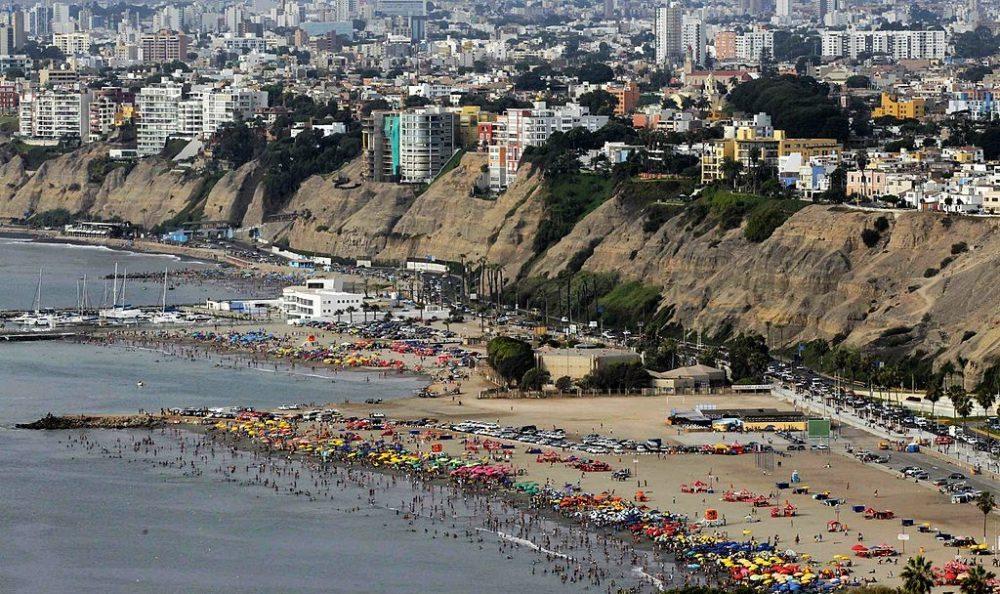 Strand Agua Dulce in Lima, Perú (Bild: Imperial94, Wikimedia, CC)
