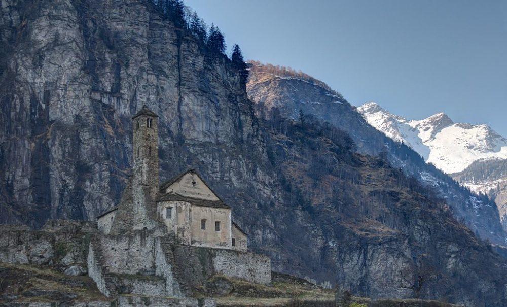 Die Kirche Santa Maria del Castello in Giornico (Bild: Chris ALC, WIkimedia, CC)