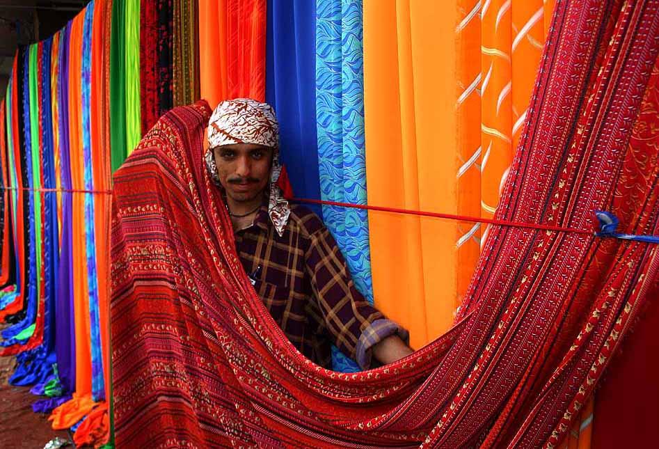Textilhändler in Karatschi (Bild: Greudin, Wikimedia, CC)