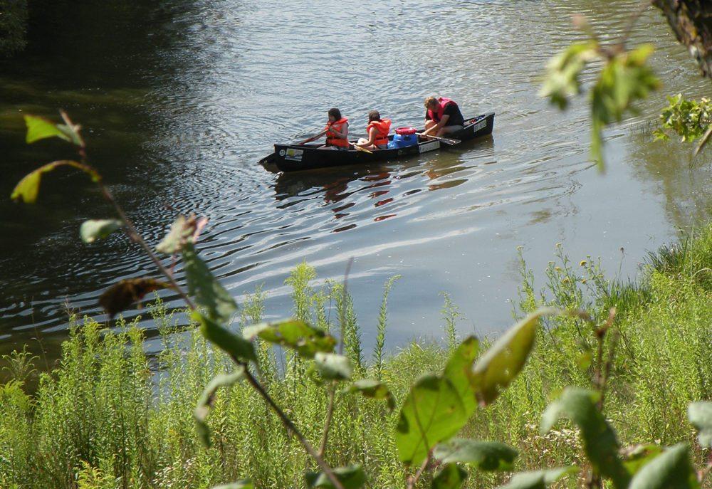 Bei Wasserwanderern ist die Altmühl ein bevorzugtes Gewässer. (Bild: Vitold Muratov, WIkimedia, CC)