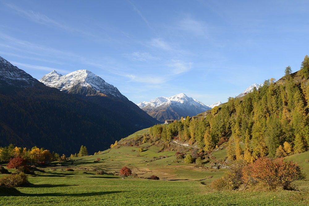 Die Landschaft bei Guarda (Bild: Böhringer Friedrich, Wikimedia, CC)
