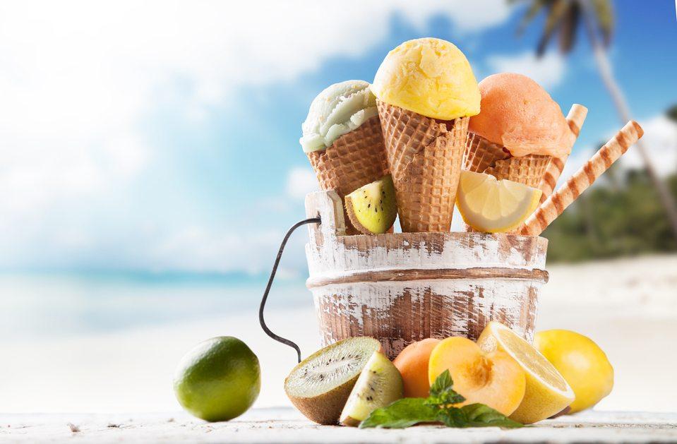 Wählen Sie Eis am Strand mit Bedacht aus. (Bild: Jag_cz / Shutterstock.com)