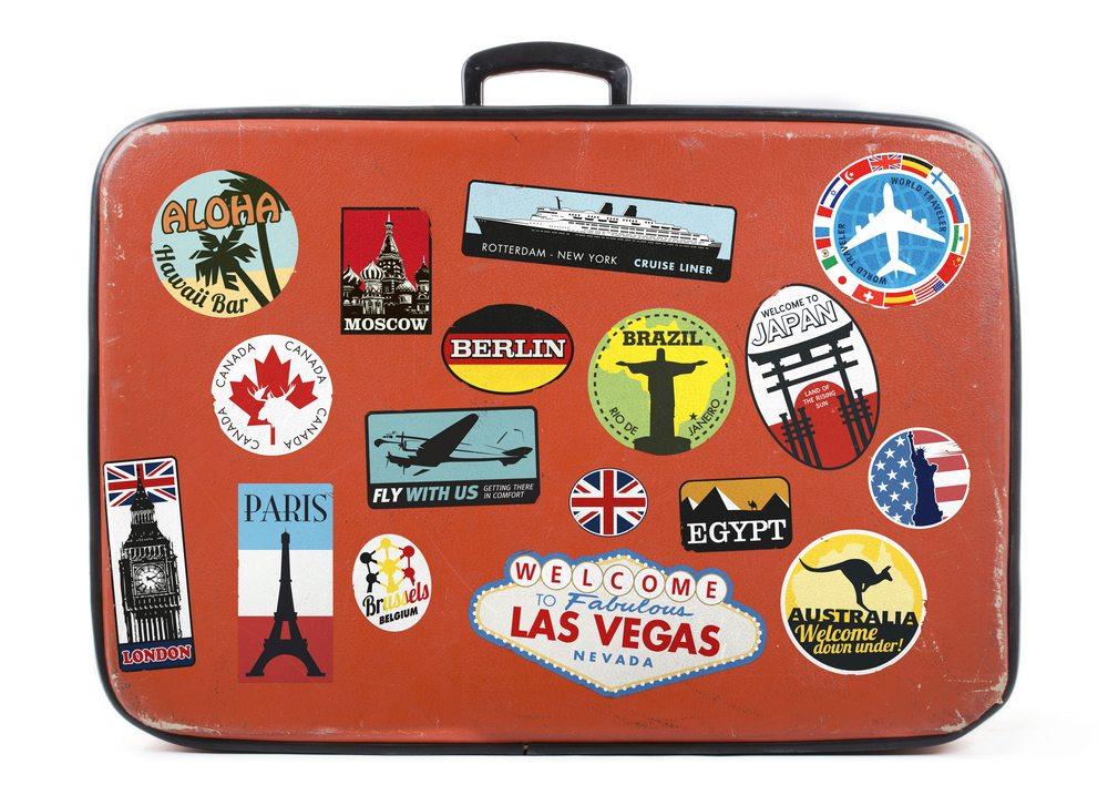 Sinnbild des Reisens überhaupt ist der Lederkoffer. (Bild: Twin Design / Shutterstock.com)