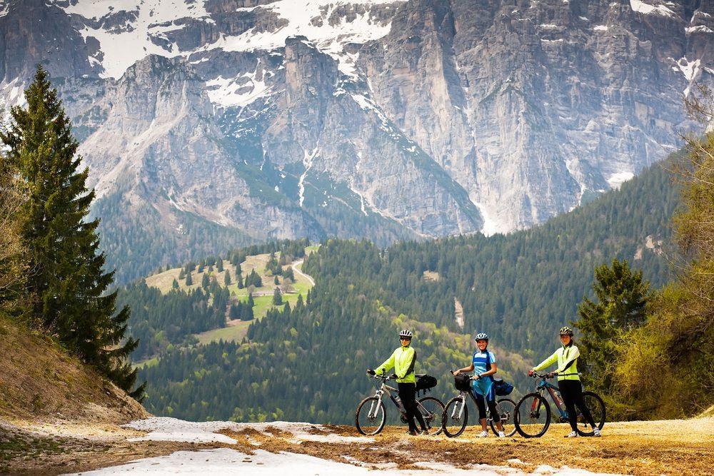 Radwanderurlaub in der Schweiz ist ein wirklich denkwürdiges Erlebnis. (Bild: TDway / Shutterstock.com)