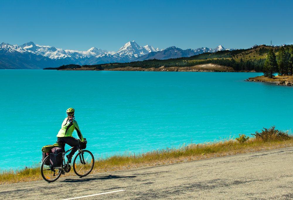 Die Wege und Strassen der Schweiz sind hervorragend geeignet für Freizeitradler. (Bild: TDway / Shutterstock.com)