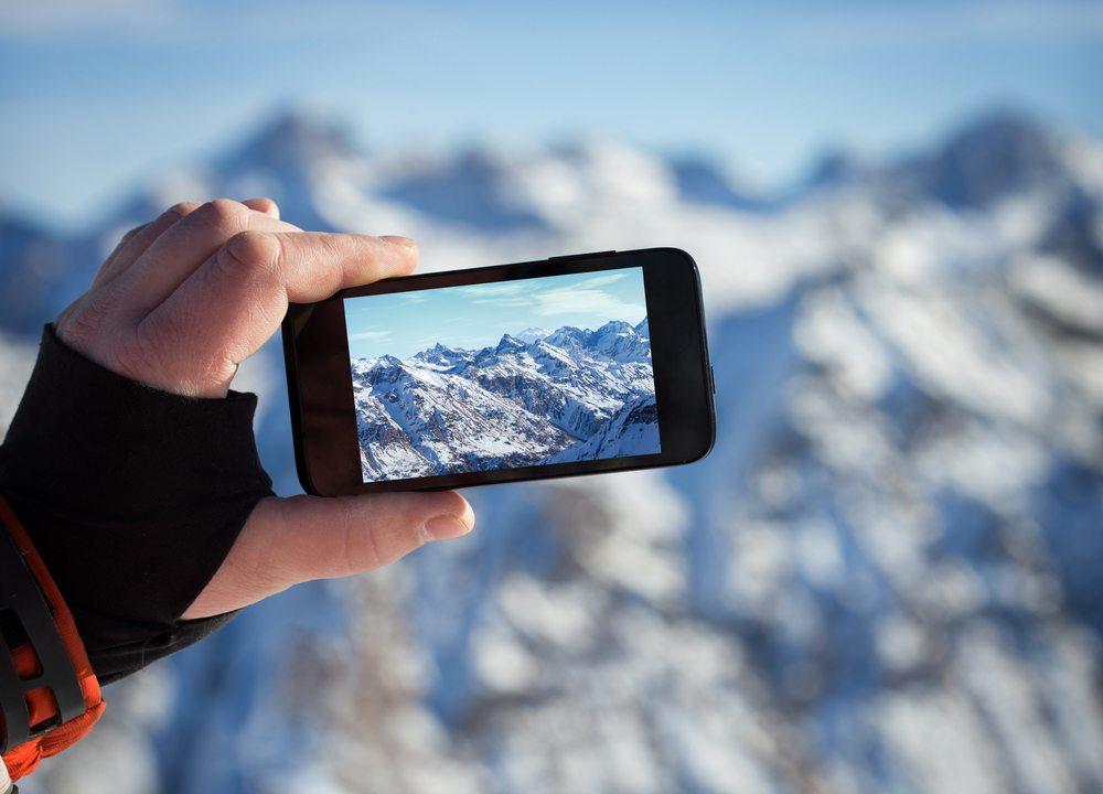 Smartphone-Kameras sind kompakt und komfortabel. (Bild: Tiplyashina Evgeniya / Shutterstock.com)