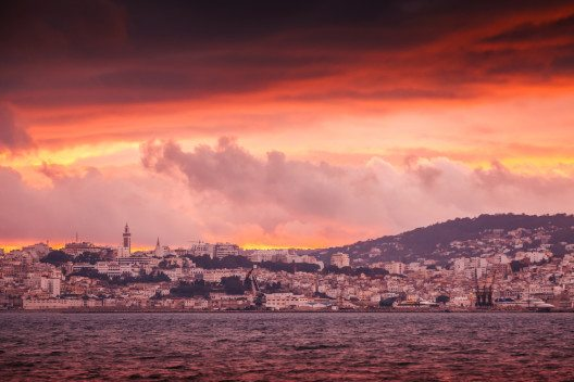 Blick auf Tanger (Bild: © Eugene Sergeev - shutterstock.com)