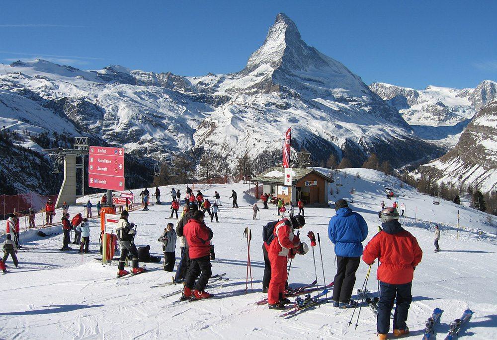 Zermatt ist der Traum für alle Fans der weissen Pracht. (Bild: Elpis Ioannidis / Shutterstock.com)