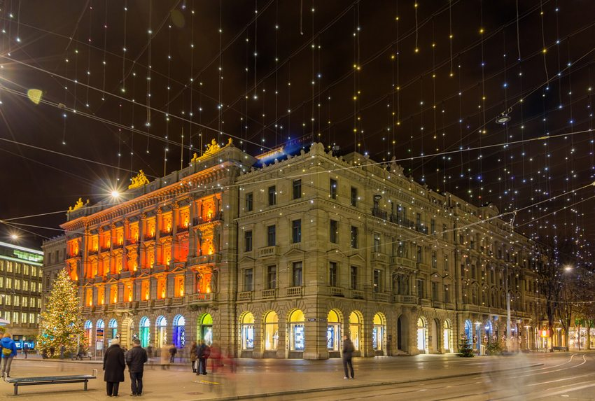 Paradeplatz und Paradestrassen in Zürich (Bild: Leonid Andronov / Shutterstock.com)