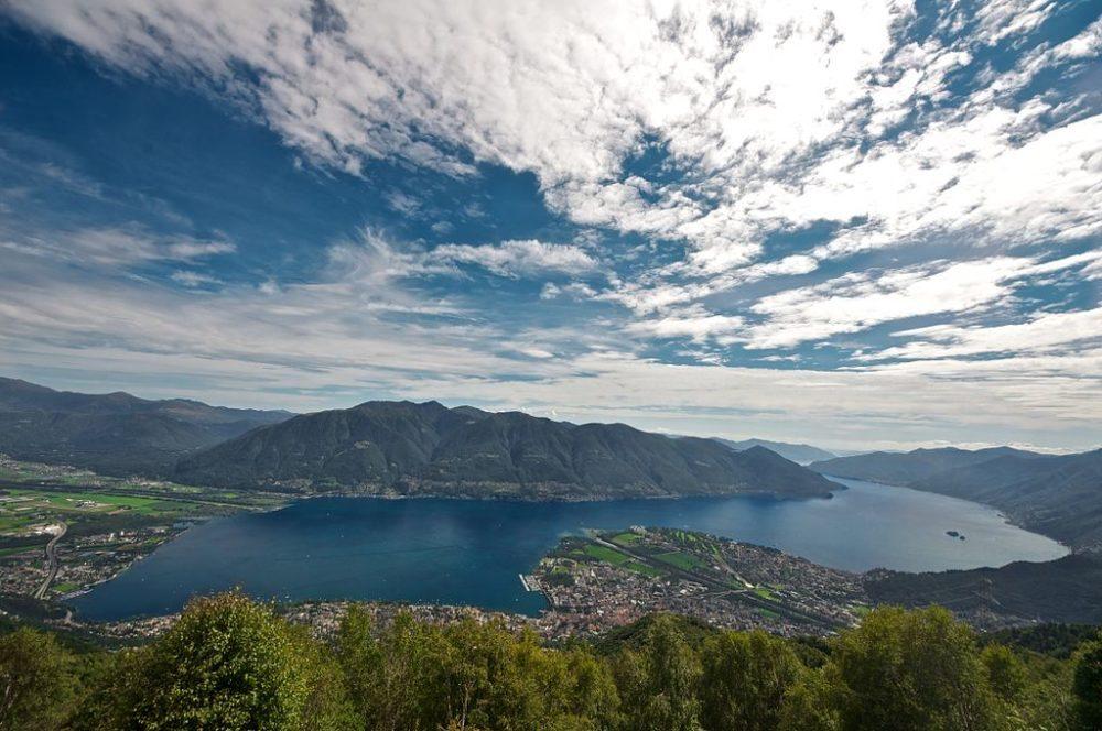 Wandern am Lago Maggiore (Bild: Diriye Amey, Wikimedia, CC)