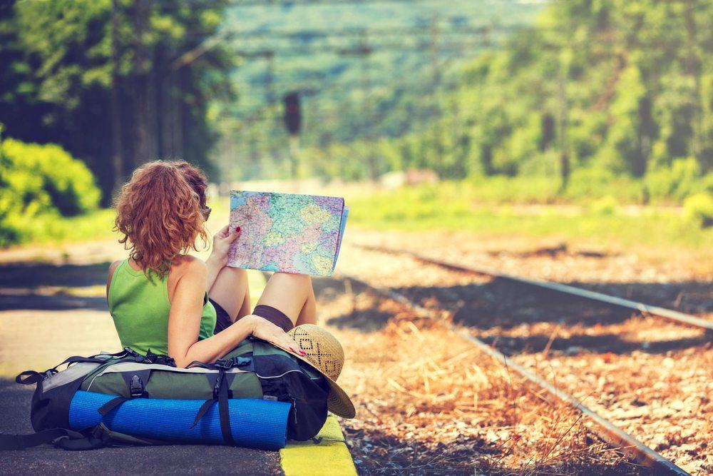Es gibt Backpacker, die vor allem in exotischen Ländern auf eigene Faust wundervolle Ferien verbringen. (Bild: NAR studio / Shutterstock.com)