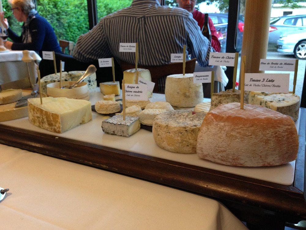 Die obligatorische Käseplatte nach dem Hauptgang. (Bild: © Steven Hille)