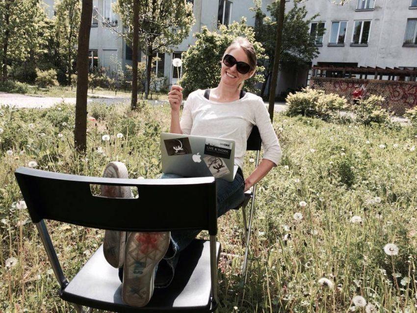 Felicia kann an vielen Orten gut arbeiten: Berlin (Bild: © Felicia Hargarten)