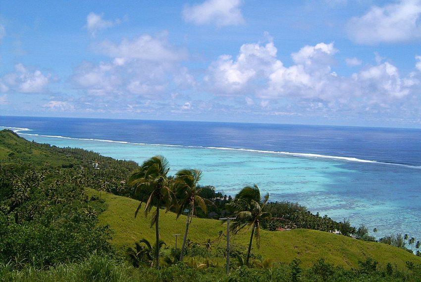 Die Cook-Inseln – die Insel Aitutaki gesehen von Maunga Pu. (Bild: Mr Bullitt, Wikimedia, GNU)