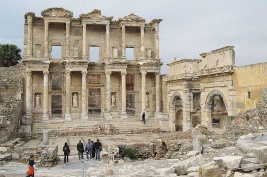 Bibliothek des Celsus, Ephesos (Bild: Shetta, Wikimedia, CC)