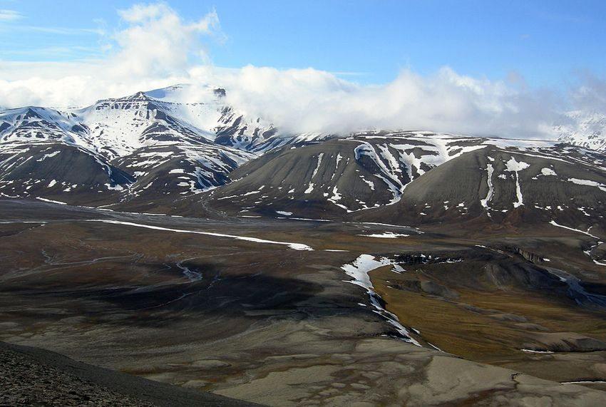 Spitzbergen: Das De Geerdalen an der Südküste des Isfjord (Bild: Wilson44691, Wikimedia)