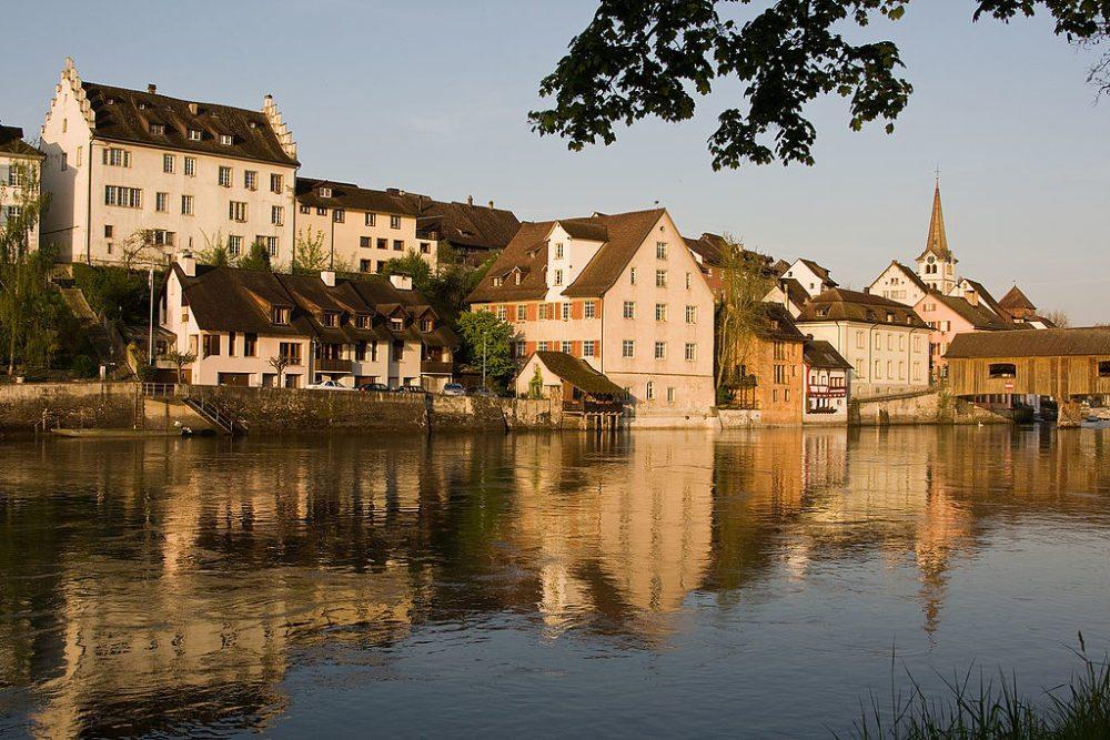 Die Altstadt von Diessenhofen im Morgenlicht. (Bild: Roland Zumbuehl, Wikimedia, GNU)