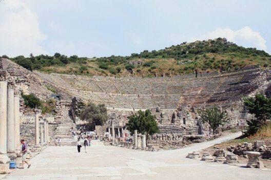 Grosses Theater von Ephesos (Bild: Ingo Mehling, Wikimedia, CC)