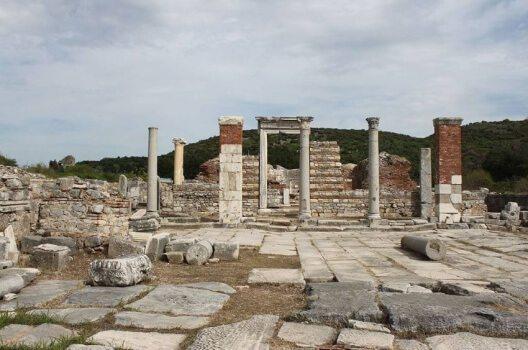 Ruinen der Marienkirche in Ephesos (Bild: Matthias Holländer, Wikimedia)