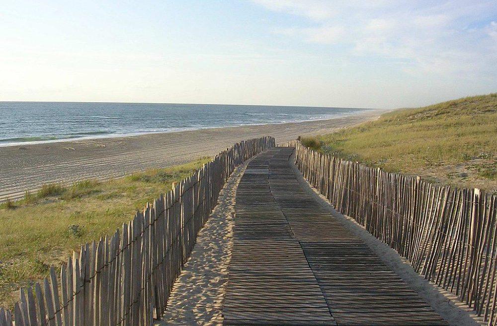 Der Strand von Mimizan (Bild: Jibi44, Wikimedia, CC)
