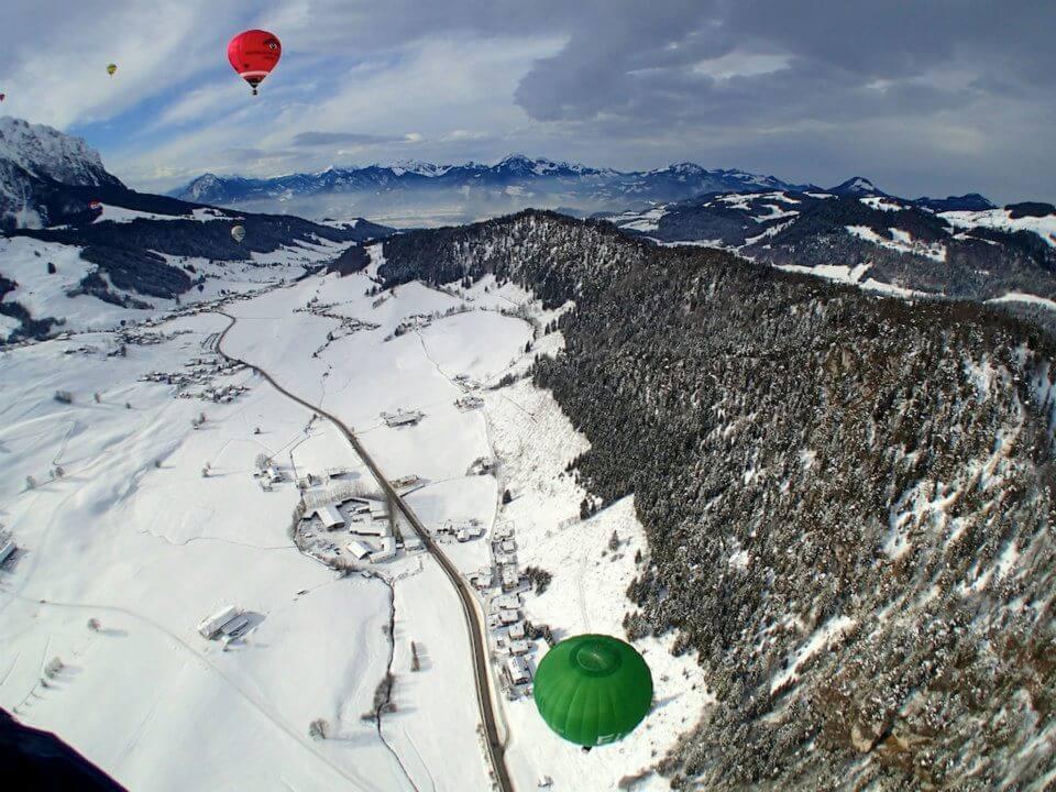 Beim Ballooning ist man ein wenig flexibler als beim Paragliding. (Bild: © Miriam Zöllich)