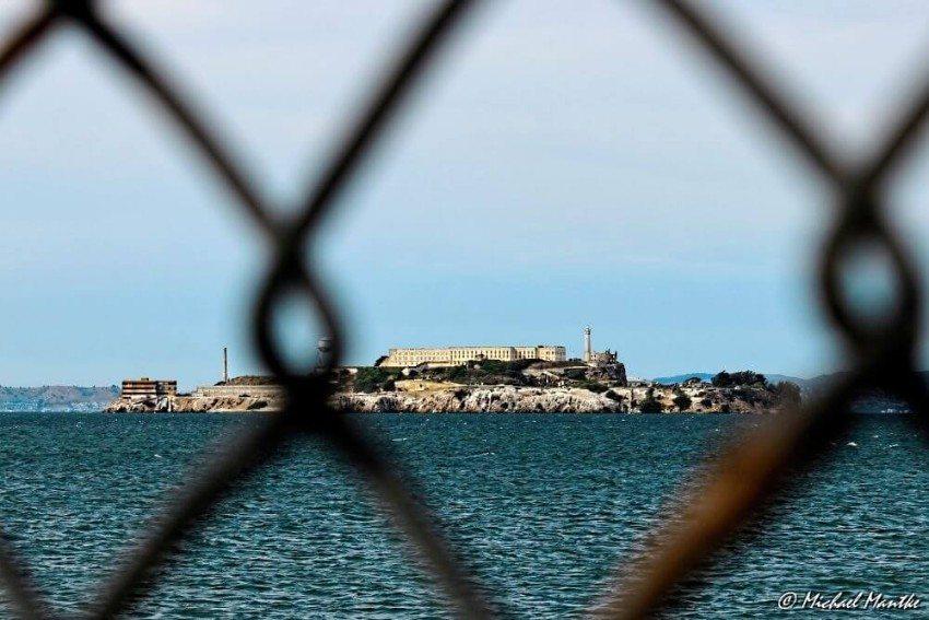 In der Bucht liegenden ehemaligen Gefängnisinsel Alcatraz (Bild: © Michael Mantke)