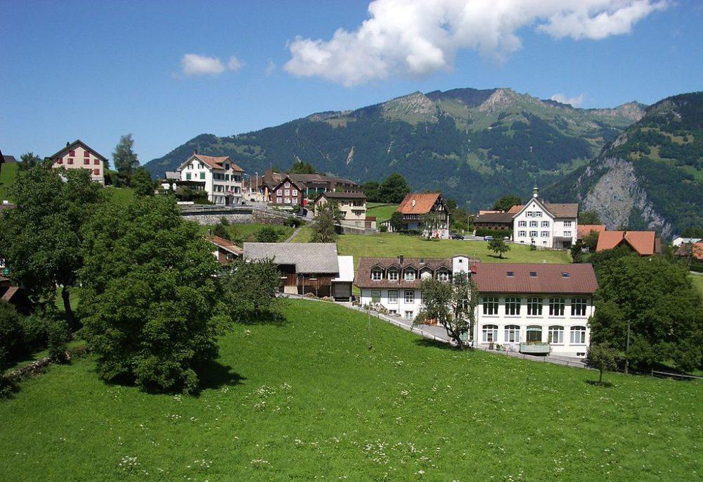 Filzbach ist eine Gemeinde von regionaler Bedeutung. (Bild: Paebi, Wikimedia, CC)