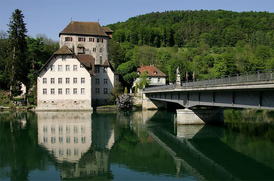 Schloss Rötteln in Hohentengen gegenüber von Kaiserstuhl. (Bild: Roland Zumbühl, Wikimedia, GNU)