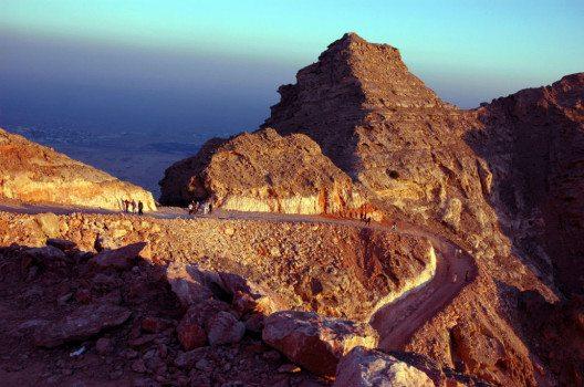 Berg Jebel Hafeet bei Al Ain (Bild: Riyaz Ahamed, Wikimedia, GNU)