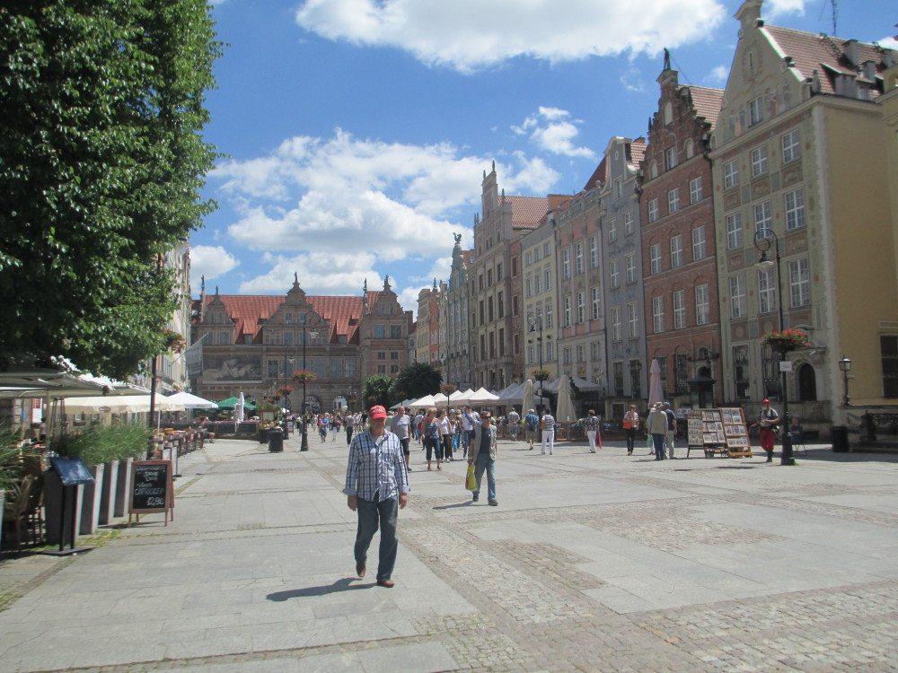 """Auf dem """"Königsweg"""" jetzt genannt """"Ulica Długa"""". (Bild: © Ulrich Kronenberg)"""