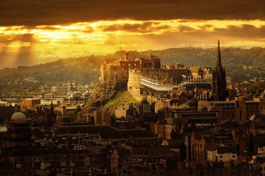 Edinburgh Castle – Wahrzeichen der Hauptstadt. (Bild: © Kanuman - shutterstock.com)