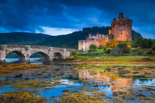 Eilean Donan Castle – beliebte Filmkulisse. (Bild: © Stefano Termanini - shutterstock.com)