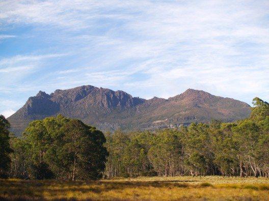 Landschaftliche Highlights sind der Mount Ossa (Bild: © totajla - shutterstock.com)