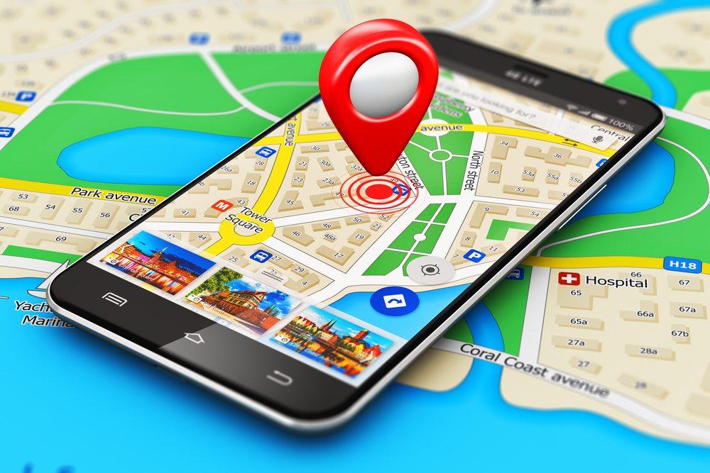 Auf Reisen und im Urlaub kann die Nutzung des mobilen Internets schnell zur Kostenfalle werden. (Bild: © Oleksiy Mark - shutterstock.com)