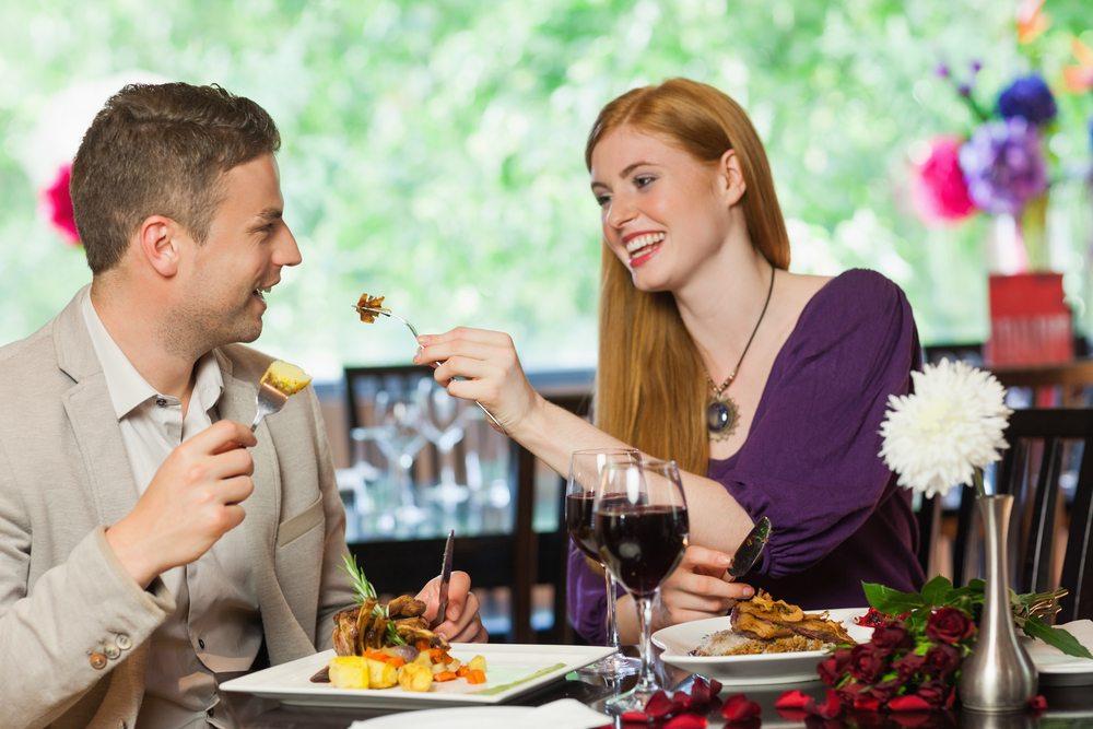 Ein Cross Dining ist immer etwas Besonderes. (Bild: wavebreakmedia / Shutterstock.com)