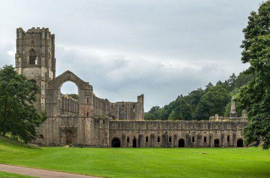 Ein wichtiger Teil der Welterbestätte sind die Ruinen von Fountains Abbey. (Bild: DAVID ILIFF, Wikimedia, CC)