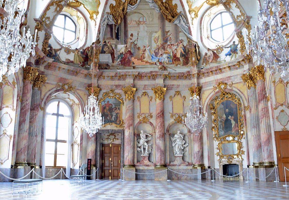 Der Kaisersaal ist ganz der Idee des Heiligen Römischen Reiches und der Stellung der Würzburger Bischöfe darin gewidmet. (Bild: © Andreas Faessler - CC BY-SA 4.0)