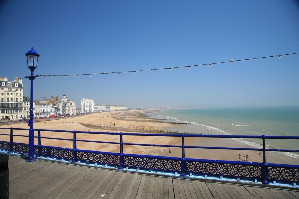 Auch unter englischen Urlauber ist Eastbourne sehr beliebt. (Bild: © Chris Sargent - shutterstock.com)
