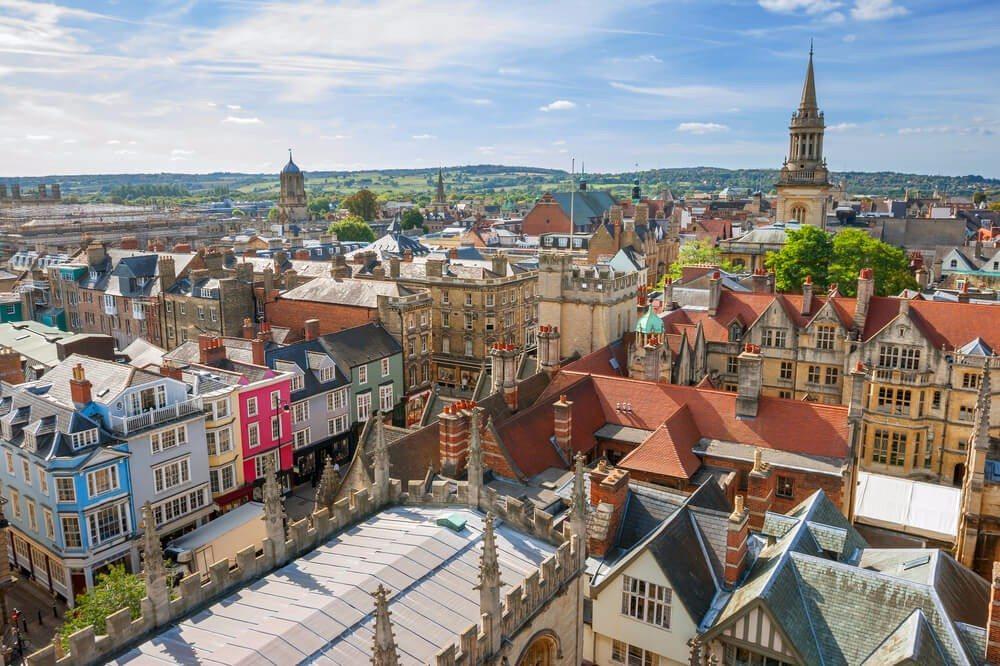 Über den Dächern von der berühmten Universitätsstadt Oxford. (Bild: © Andrei Nekrassov - shutterstock.com)