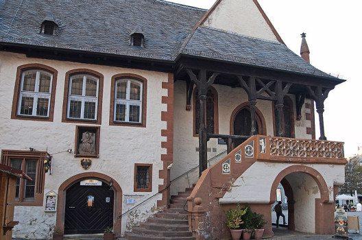 Rathaus Goslar am Harz, Eingang Huldigungssaal. (Bild: Pedelecs, Wikimedia, CC)