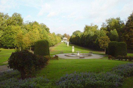 Schlossgarten Neustrelitz (Bild: PodracerHH, Wikimedia, CC)