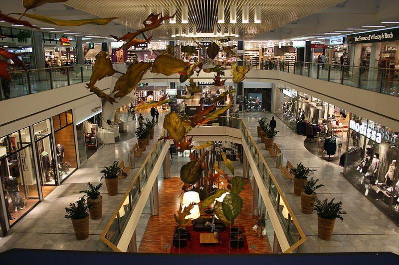 Das Einkaufszentrum Glatt in Wallisellen ist das umsatzstärkste Einkaufszentrum der Schweiz. (Bild: © Roland zh, Wikimedia, CC BY-SA 3.0)