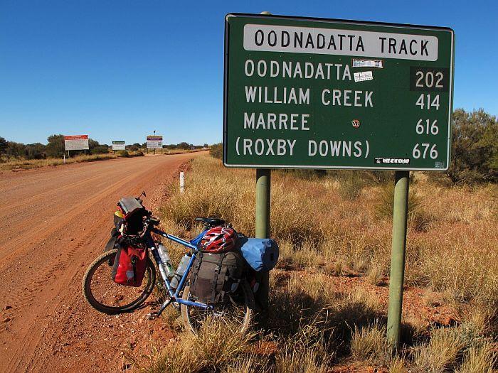 Unterwegs auf dem Oodnadatta Track. (Bild: © Heike Pirngruber)